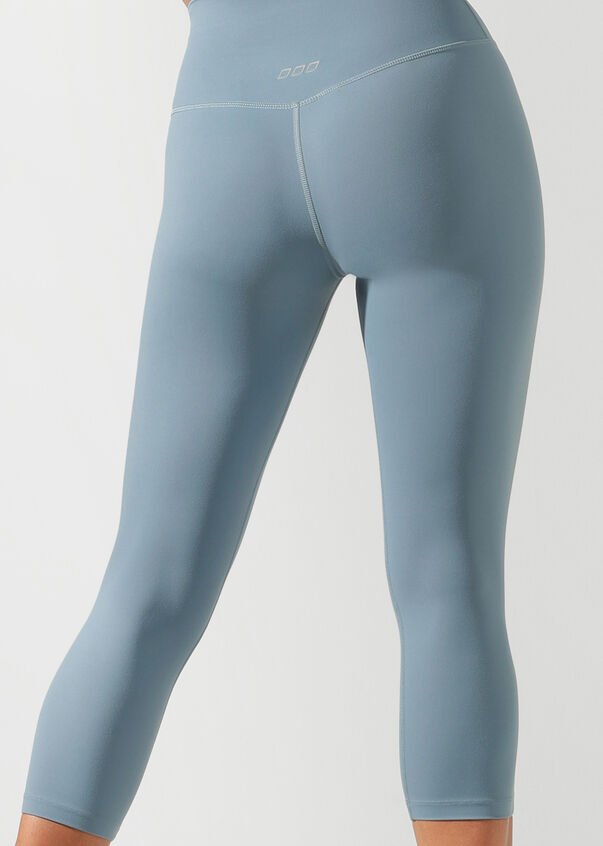 Ultimate Yoga 7/8 Tight, Washed Out Blue, hi-res